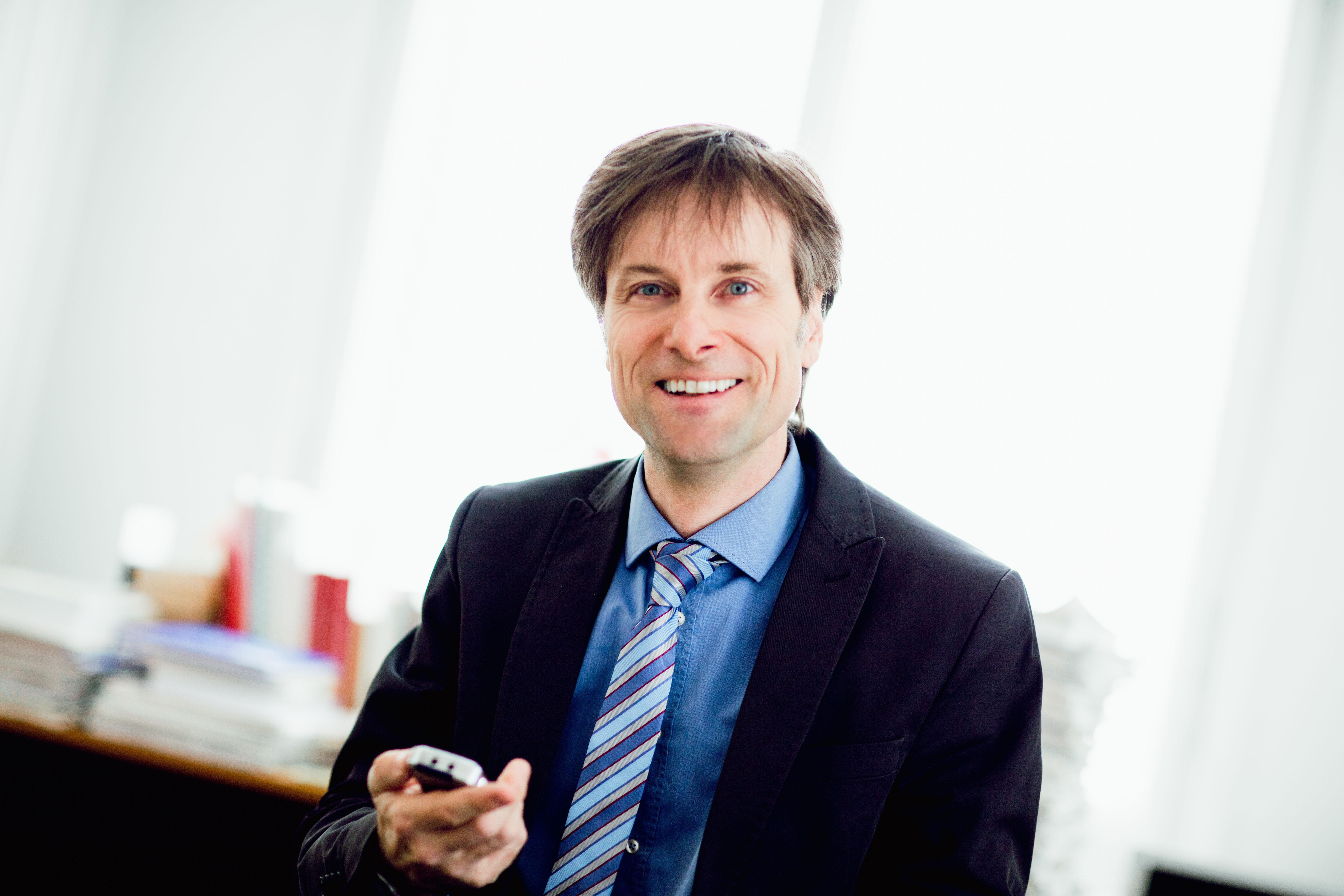 Rechtsanwalt Mag. Peterpaul Suntinger aus Klagenfurt steht seinen Klienten im Arbeitsrecht zur Seite
